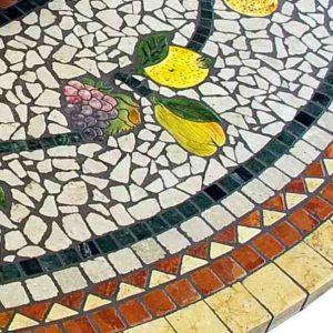 tavolo in mosaico tondo