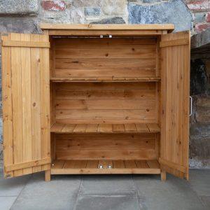 armadio da esterno in legno