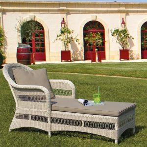 Chaise longue  con cuscini in fibra sintetica selene